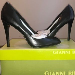 Brand New Size 8.5 Gianni Bini Athens Pumps